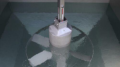 Nivel de llenado alto en tanque de mezcla para alimentación líquida