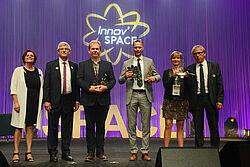 Vergabe des Sonderpreises: die drei Gewinner und SPACE-Mitarbeiter
