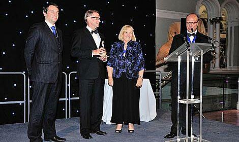 El profesor Windhorst recibe un galardón en Edimburgo